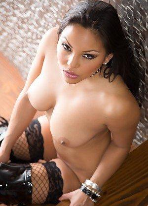 Famous Latina Girls Photos