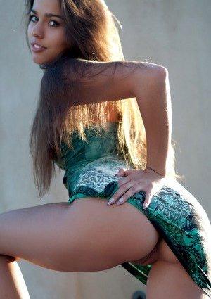 Nude Latina Girls Photos