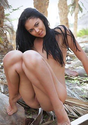 Latina Brunette Photos