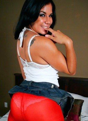Latina in Pantyhose Photos